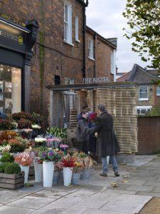 london-flower-kiosk-with-a-wavy-timber-exterior-by-buchanan-partnership_dezeen_1